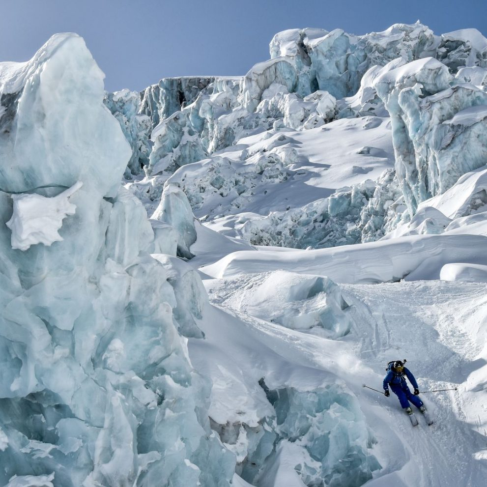 Shredding down the famous Vallée Blanche ski route in Chamonix, an experince that you will never forget!