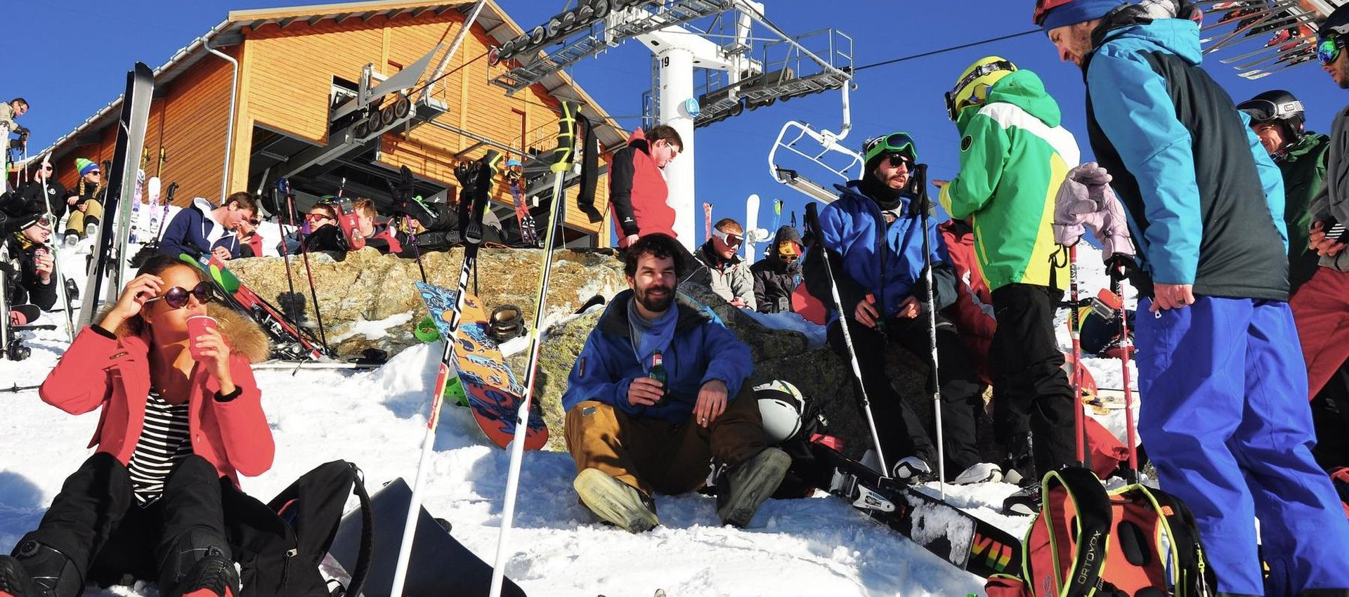 The huge French resorts have some serious après-skis even on the slopes.