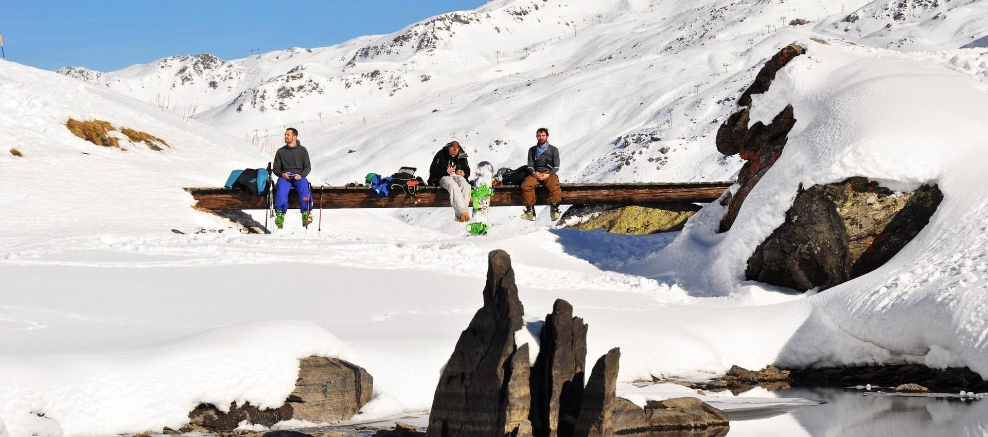 Usually we don't waste time in restaurants during the day, better to take a small lunch break in the stunning backcountry