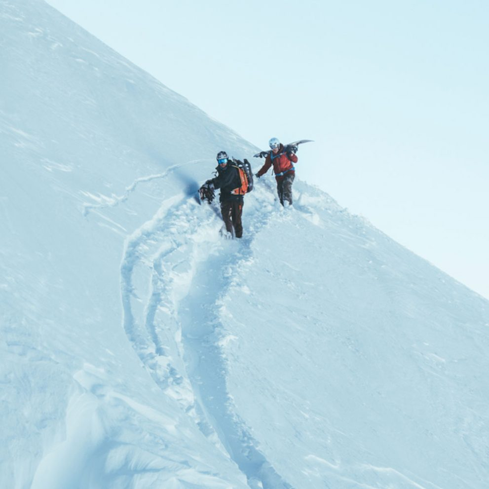 The best freeriding lines are not easy to reach but our guides will show us the way.