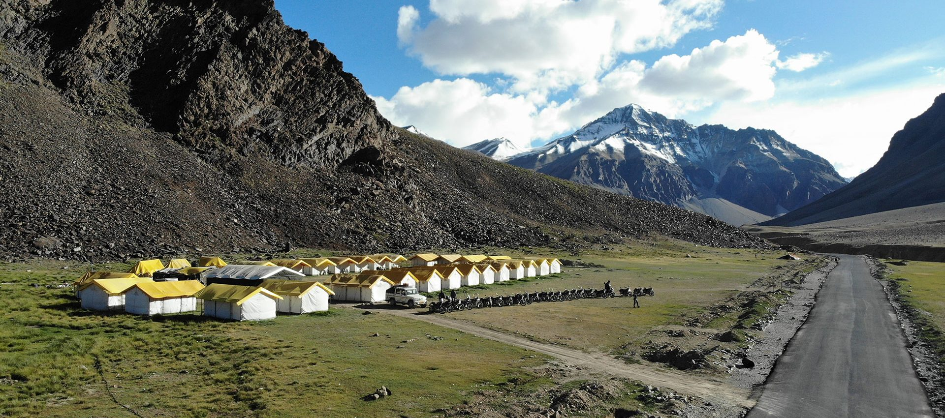 Our highest glamping style tent basecamp next to Sarchu village, 4.300 meters above sea level.
