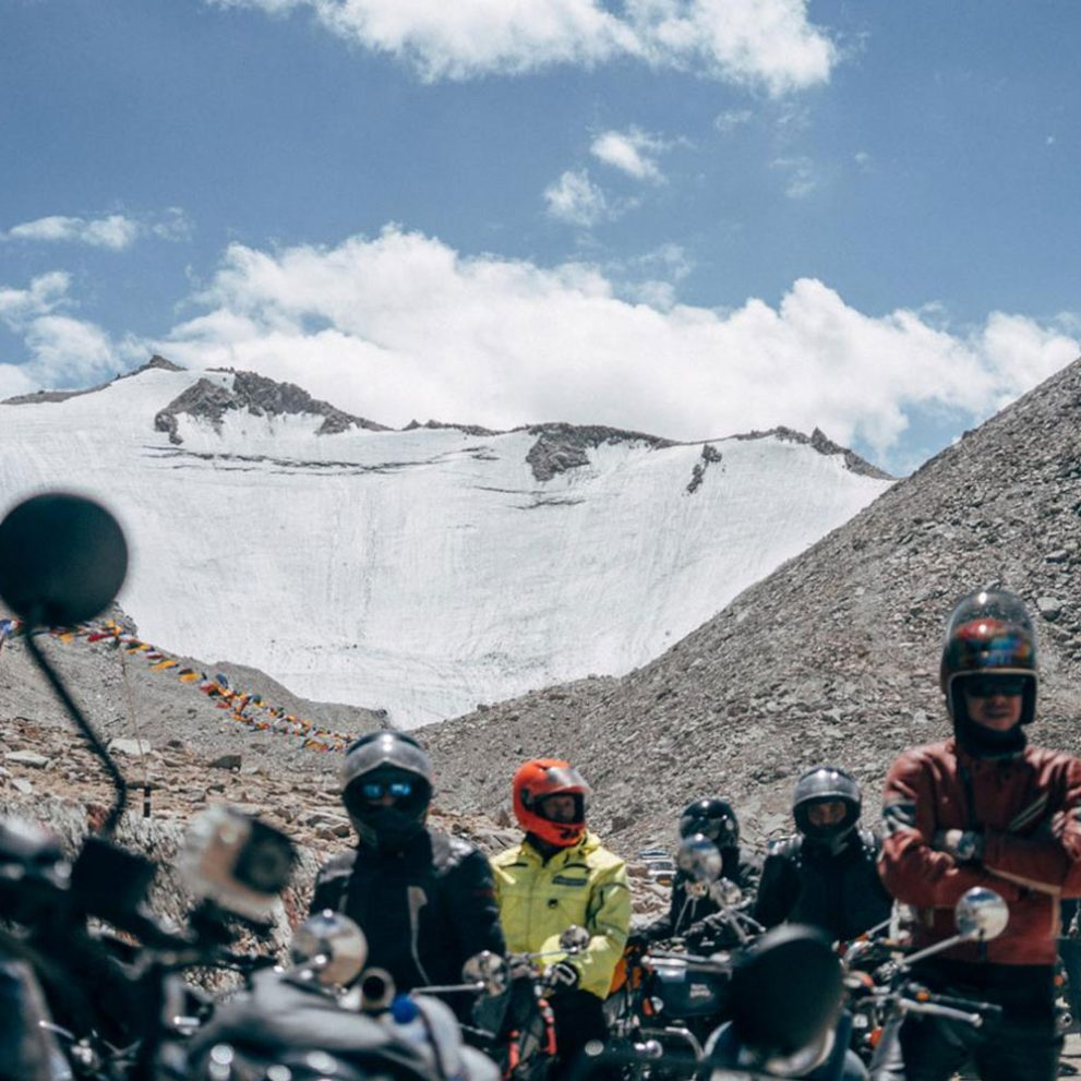 The peak above Khardung La is almost 6000 meters high, it is covered by snow all year round.