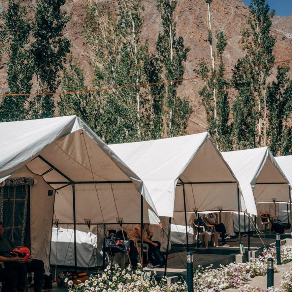The best way to spend the night is in a glamping style fully equipped tent camp in the heart of the Himalayan mountains.