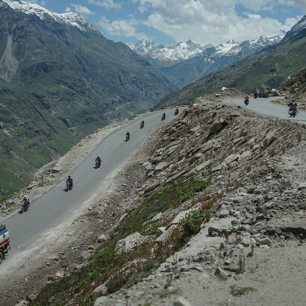 After every mountain pass we get a new and even more beautiful view of the Himalaya and Karakoram range.
