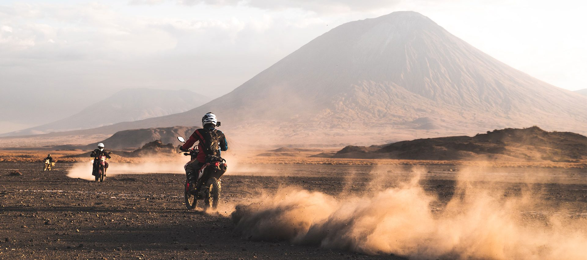 Dusty roads with a view over the Kilimanjaro.